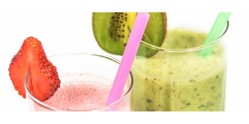 Ovocné smoothie – jablko, kiwi, jahody, pomeranč